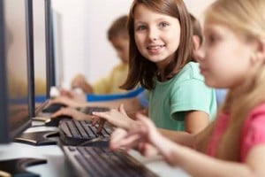 children-on-computers